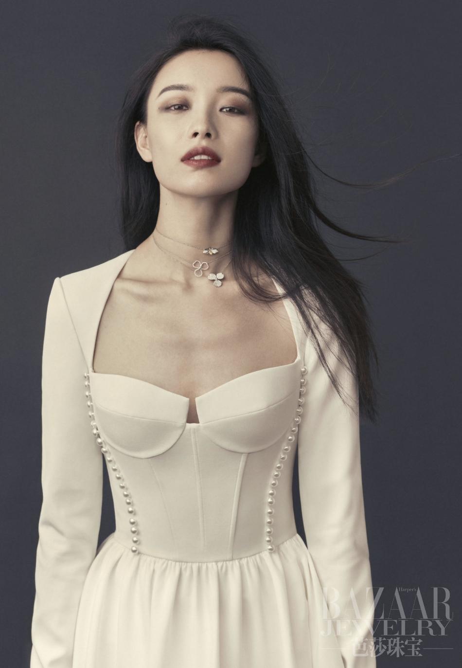 倪妮性感演绎珠宝大片