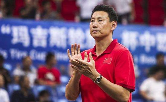 中国男篮集训红蓝队合并 篮协拟聘李楠担任主教练