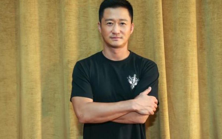 鹿晗喊话吴京,愿意零片酬出演《战狼3》,吴京只说了6个字