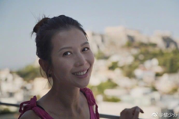 蔡少芬张晋相互吹彩虹屁,面对甜蜜婚姻,她曾说过这句话