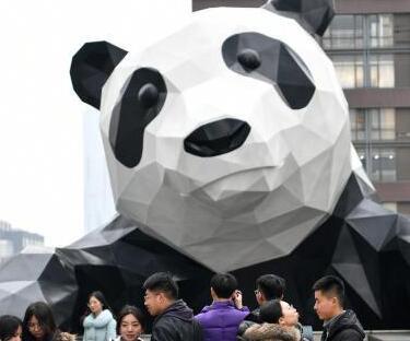 成都巨型大熊猫成打卡地