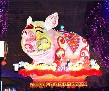 南京城南张灯结彩迎春节