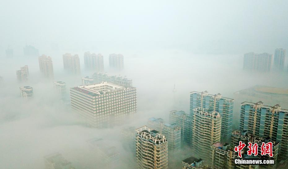江西抚州现云雾漫城