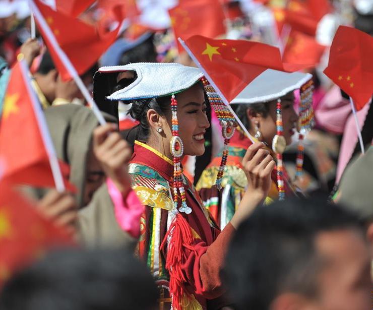 西藏千人鍋莊頌祖國