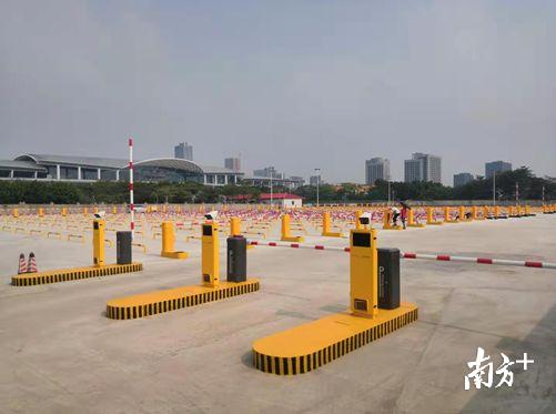 广州南站出租车蓄车区18日搬迁,石山大道南恢复10车道双向通行