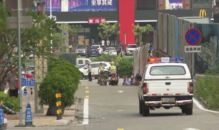 蓬江區星匯名庭旁道路禁止停車 市民感嘆:神清氣爽多了!