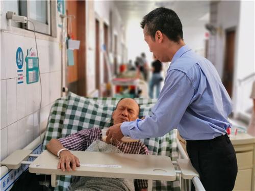 江門:八旬獨居老人突發急病 熱心公汽司機及時送院搶救