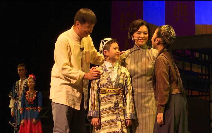 《铁骨丹心林基路》成功首演 用话剧艺术致敬侨乡英烈