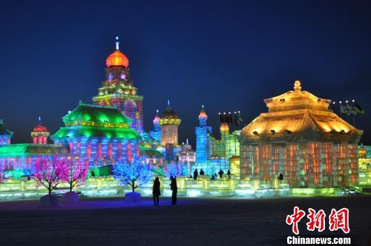 """黑龙江推出今冬冰雪旅游""""菜单"""""""