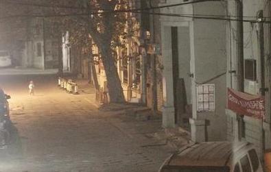 兩歲女童凌晨光腳上街