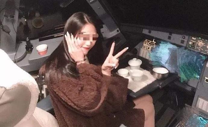 """民航局回应桂林航空""""女乘客进驾驶舱""""事件:典型的故意违章"""