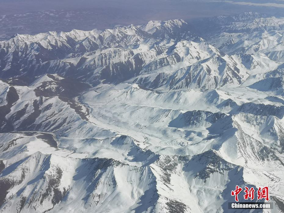 祁连山白雪皑皑壮观