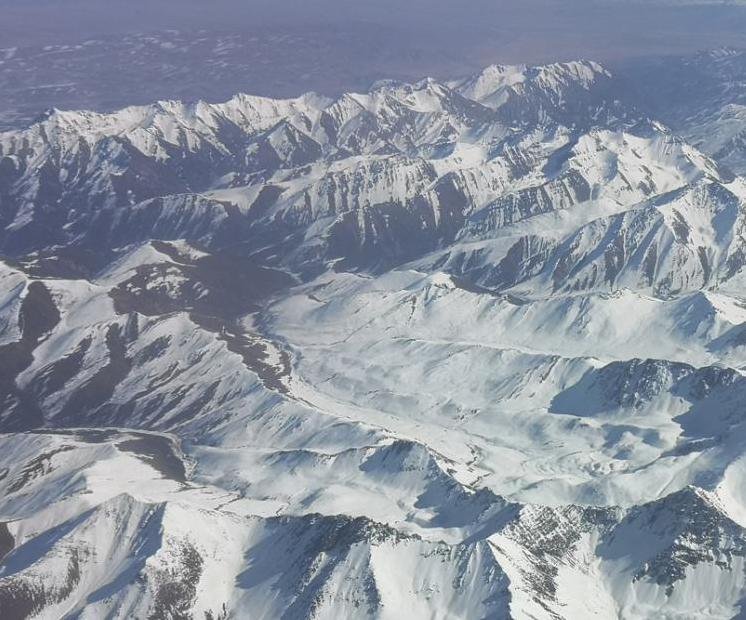 祁連山白雪皚皚蔚為壯觀