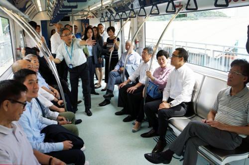 澳門輕軌今將正式投入運營 年底前市民可免費搭乘
