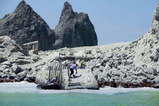 新西蘭火山噴發兩中國公民燒傷較嚴重 一人仍昏迷
