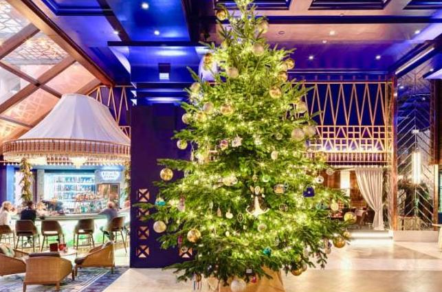 全球最贵圣诞树?价值1190万英镑 装饰钻石蓝宝石(图)