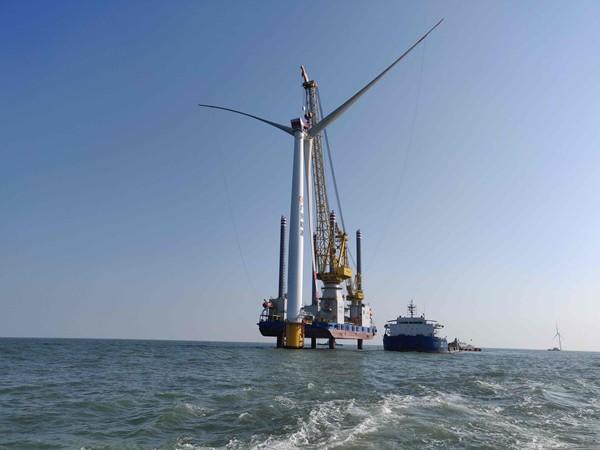 廣東省首個大兆瓦級海上風電項目全部風機安裝完成