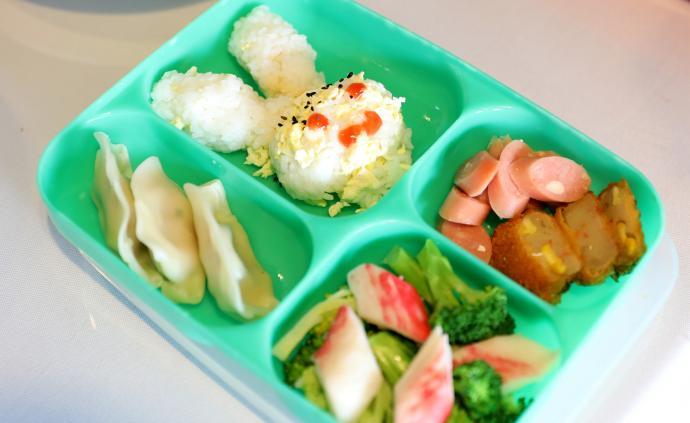 餐費不夠,停牛奶減葷菜?杭州不少學校面臨餐費緊張窘境