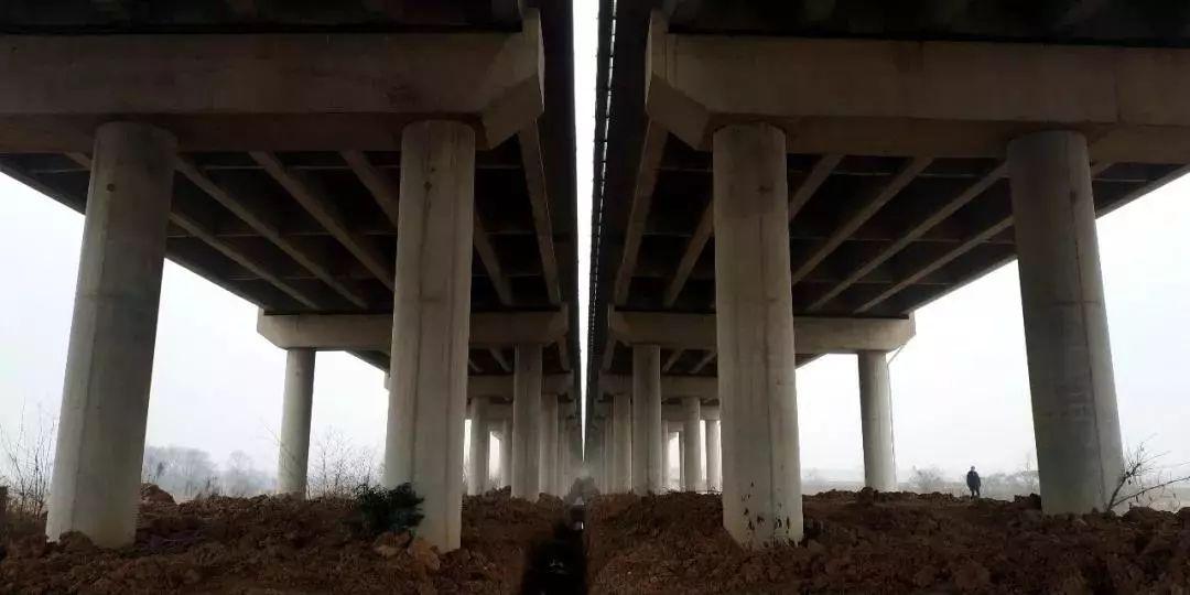 高速公路桥梁间隙坠亡事故频发