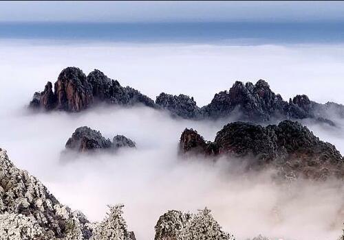 安徽黄山雪后初霁 雾凇云海美如画卷