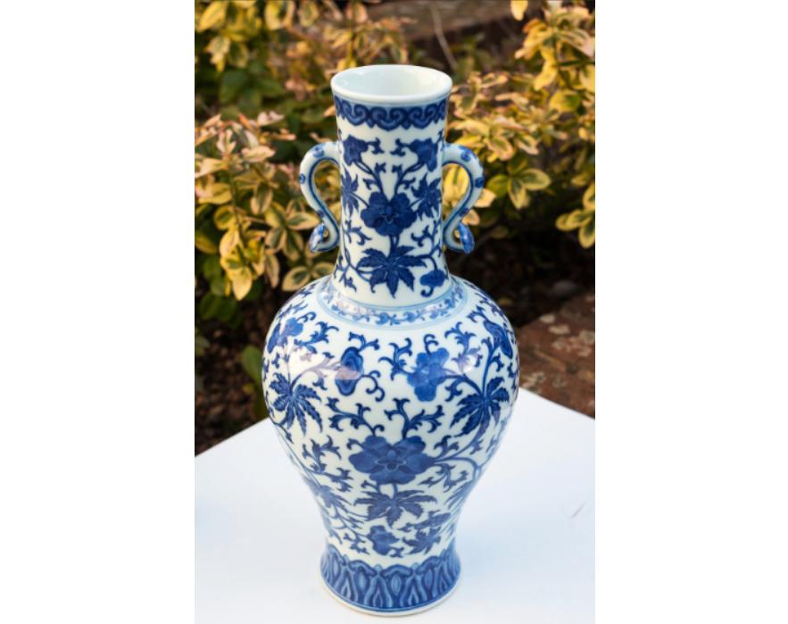 青花瓷花瓶拍出500多万