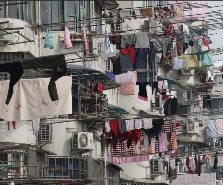 """上海市民晒起""""万国旗"""""""