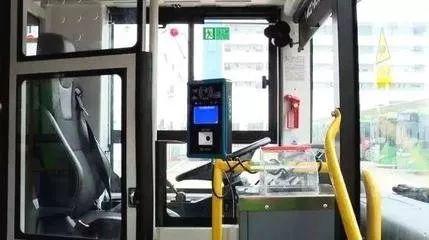 城市公交驾驶区防护隔离标准下月实施:防护侧围最低1.6米