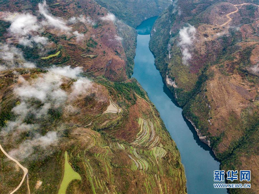 鸭池河峡谷风光美