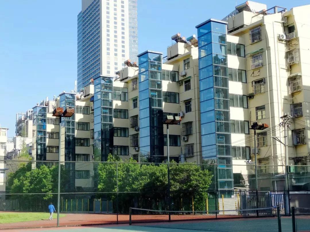 加装电梯有补助引热议 蓬江区多处楼宇试点开建