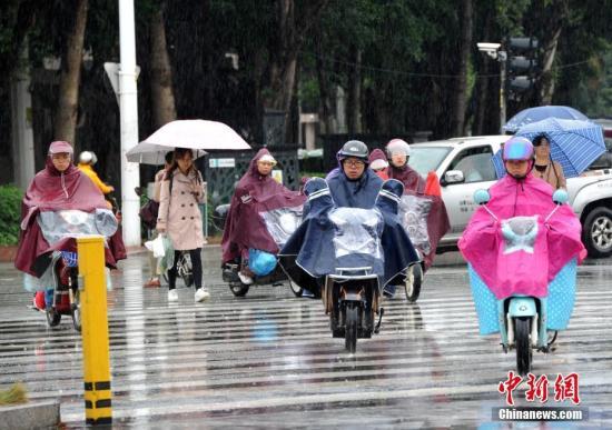 广东广西等有雷暴大风