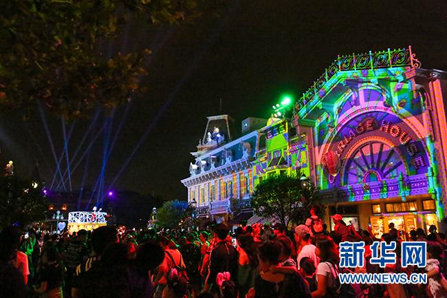 670万人游香港迪士尼