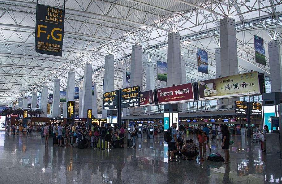白云机场大面积延误预警升级为黄色