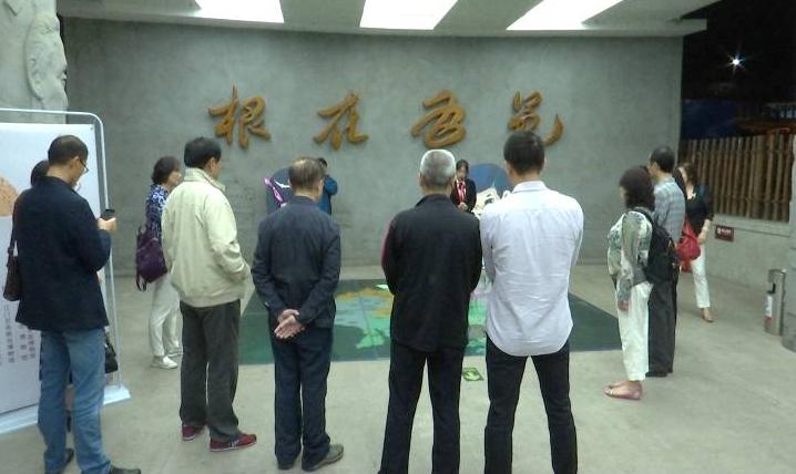 文化名家与华侨后人参观华博馆 称赞江门历史文化底蕴深厚