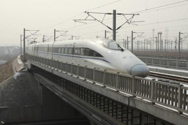 因21日晚点,广州南站部分列车停运