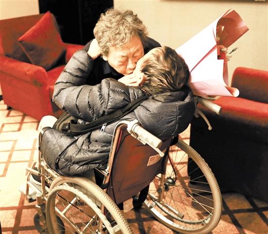 跨越40年1000公里 武汉九旬婆婆找到广州老友