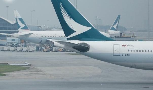 """恐怖!香港机长空中失明 载350名乘客""""盲飞""""半小时"""
