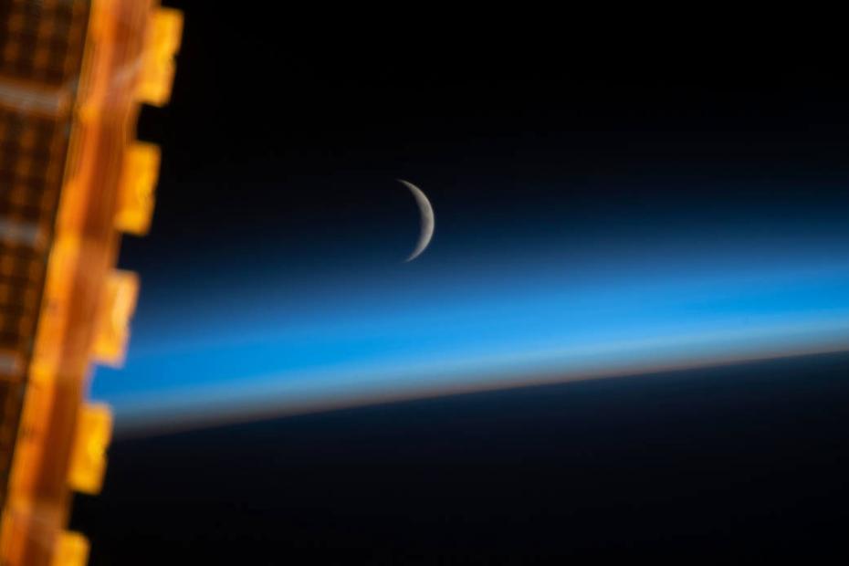 国际空间站拍摄日出