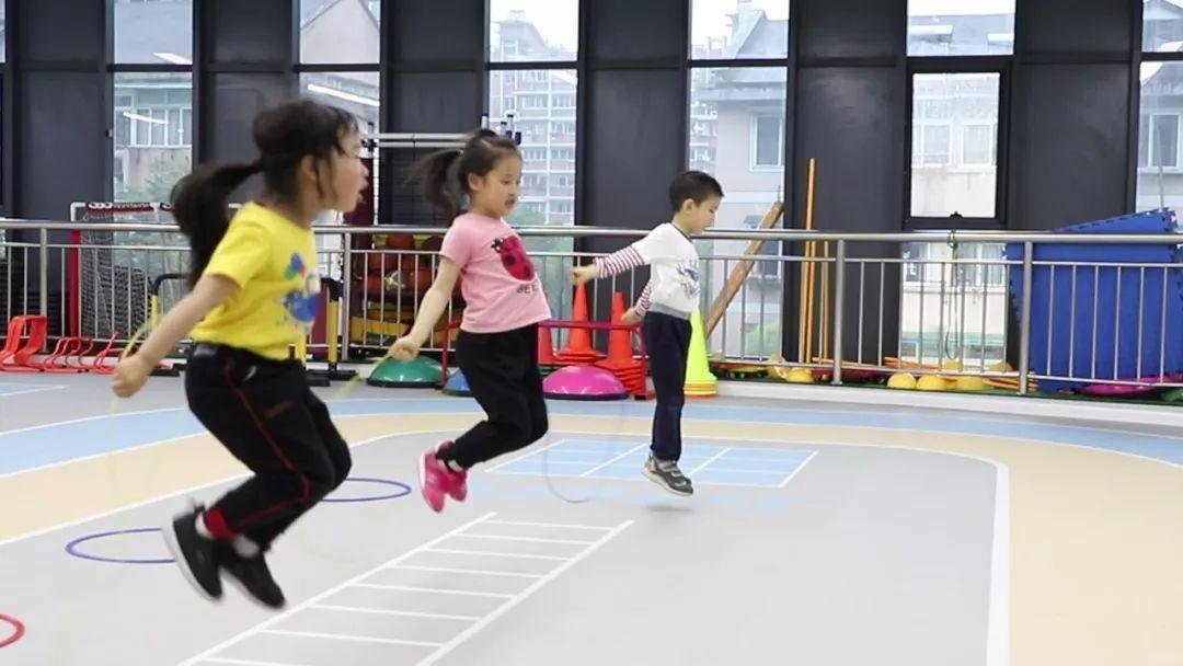 跳绳私教课:1节课400,年费2万多