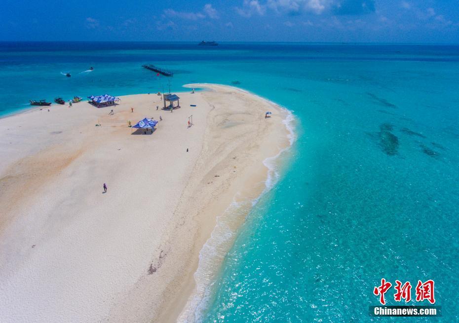 西沙全富岛上的银滩