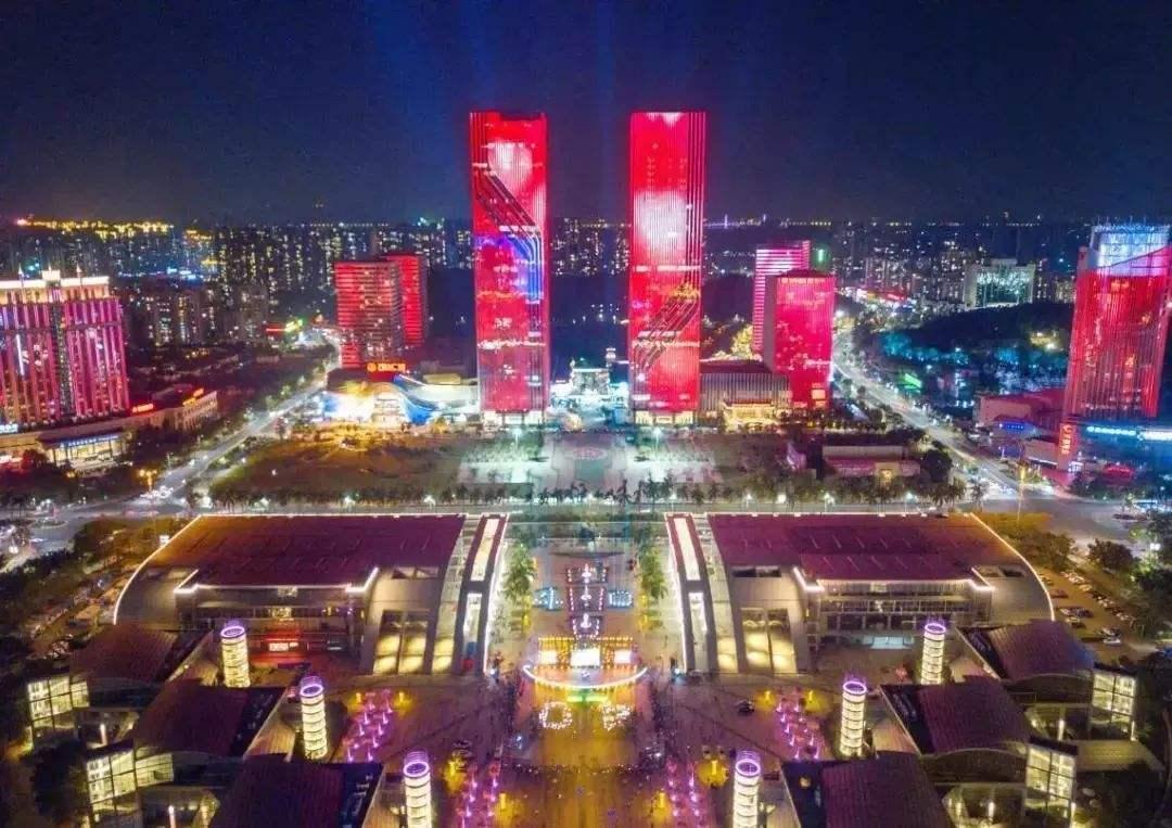 6月起,蓬江、新会灯光秀表演调至晚上8时开始