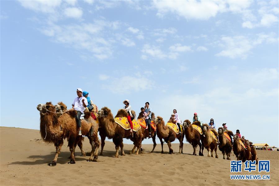 特色文体活动提前点燃新疆旅游热