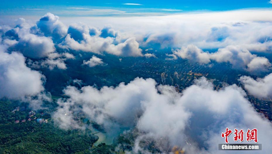 航拍江西仰神火真身天岗暴雨过后云雾飘渺