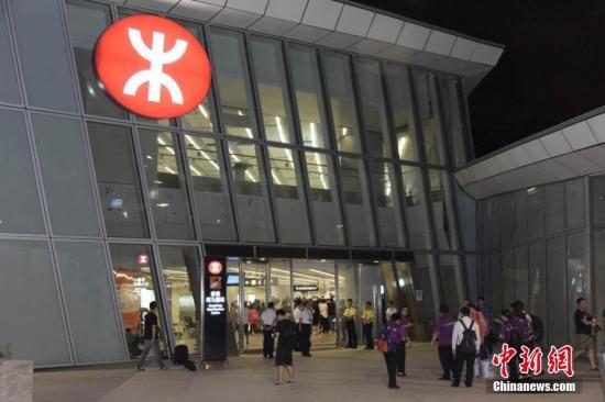 港铁将增4对香港到内地长途列车