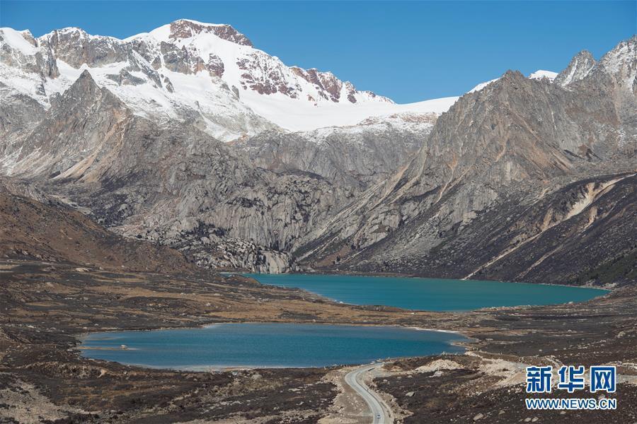 川藏公路上天然觀景臺