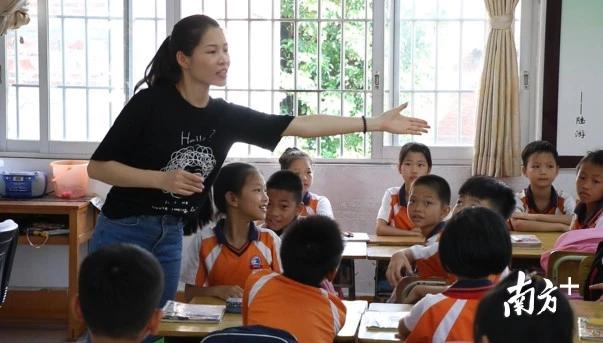 佛山海寿小学教师接力 坚持8年为学生护航