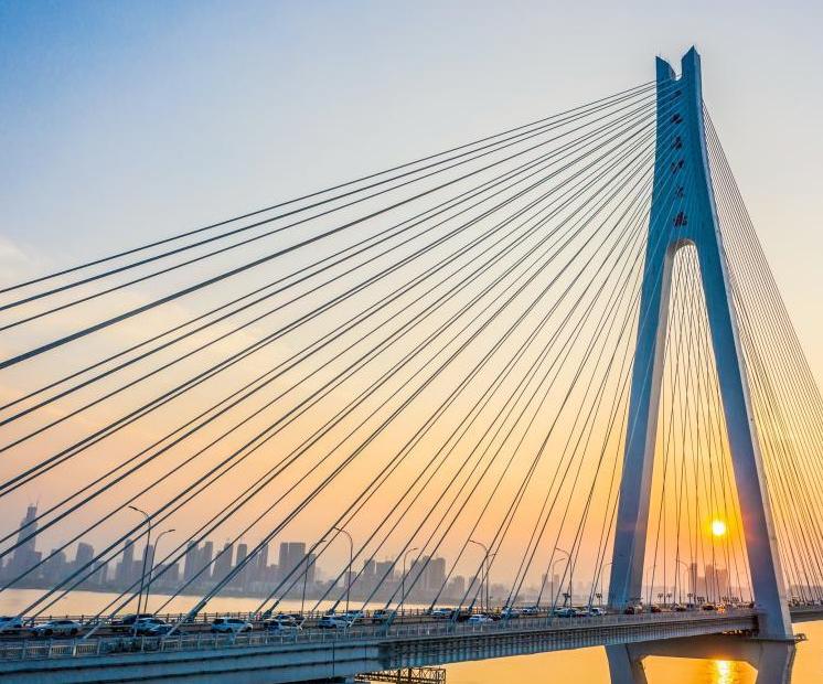 二七长江大桥壮美如画