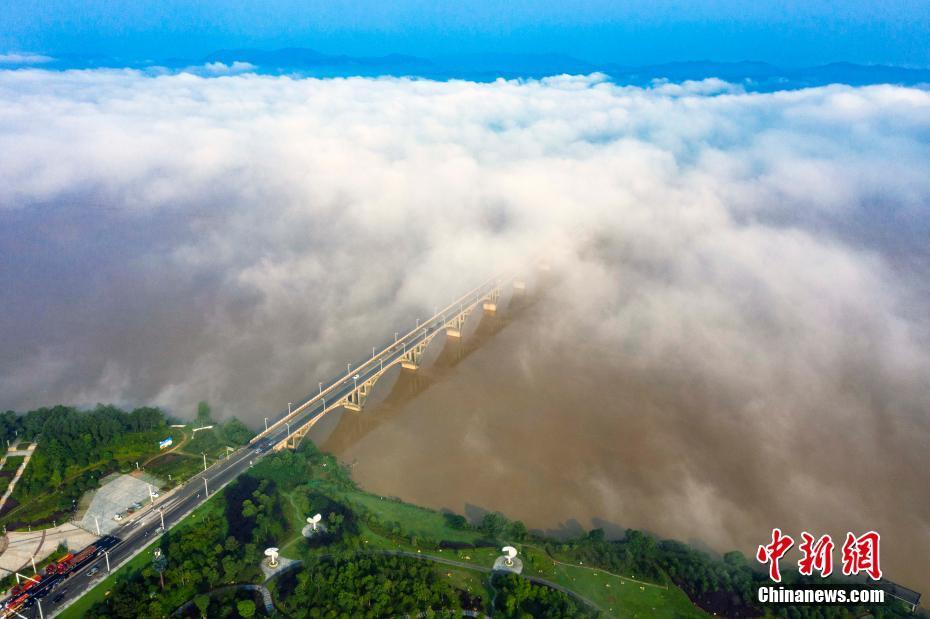 江西新干县云雾美景