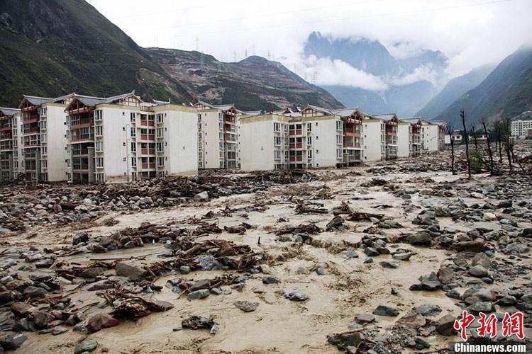 汶川县强降雨引发泥石流 致1死4伤