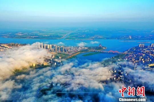 江西吉水平流霧景觀