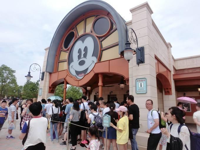 上海迪士尼食品携带新规:可带本人的食品,禁带需加热食品等